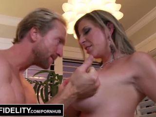 Pornfidelity - mare pițigoi milfs sara jay și kelly face ryan sperma trei times - porno video 261