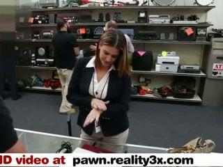 Echt spycam seks - foxy bedrijf dame gets geneukt - pawn.reality3x.com