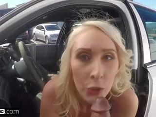 Betrapt op cctv! vrouw sucks af agent naar krijgen haar echtgenoot af