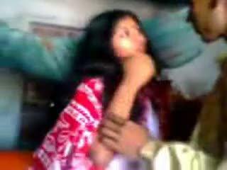 Indisch newly getrouwd guy trying zabardasti naar vrouw zeer verlegen