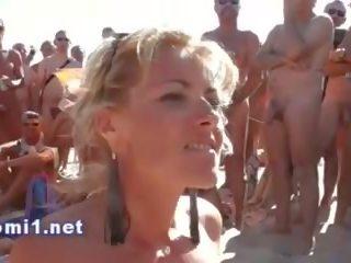 Naomi saugen öffentlich strand stranger, kostenlos porno bd