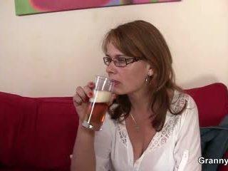 Drunken mama gets dia alat kelamin wanita dibor