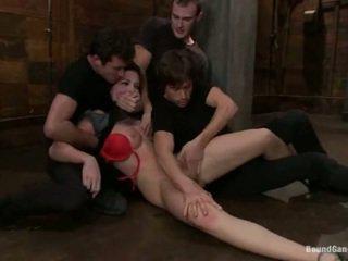 Aria aspen has jej tyłek hole used w gang bang wydajność