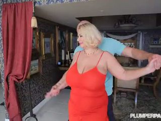 ボインの ふしだらな女 熟女 samantha 38g fucks 大学 dance instructor