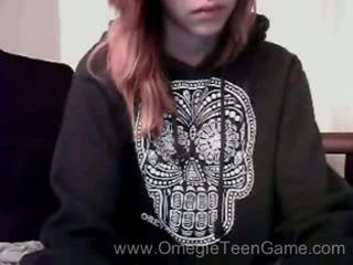 Ryanne plays omegle spelletje op webcam