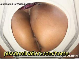 Bossy delilah vrouwelijke dominantie menselijk toilet pov