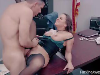 Secretaresse abigail mac fucks haar baas, hd porno d3