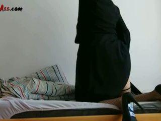 Niqab পায়ুপথ solo উপর সোফা