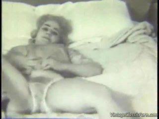 Retro magamistuba striptease
