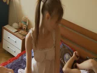 Jāšanās ar greznība breasty meitene