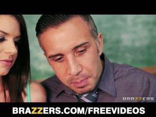 Skolniece brooklyn chase seduced līdz viņai skolotāja