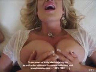 Грудаста дружина kelly madison titty fucks пеніс і swallows сперма