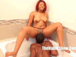 Muschi eating bathtub lovin thickred bbc stretch: hd porno da