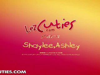 Lez cuties: geil lesbiennes poesje spelen in de laundry kamer