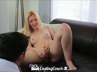 Casting sofa x: hot blond tenåring knullet på casting