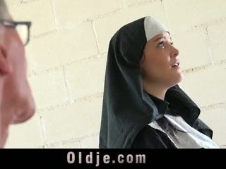 Starý člověk značky mladý monastery jeptiška fornicate