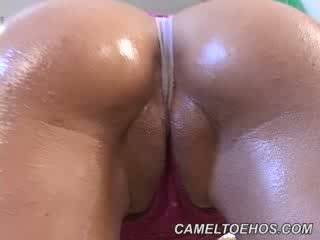 Cameltoe01
