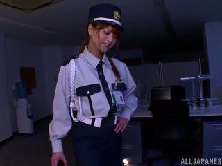 Китаянка поліція donna gives здорово мастурбація ногами для a грабіжник