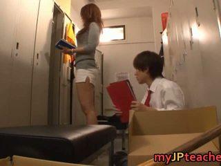 Kaori セクシー 日本語 教師 getting