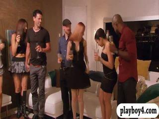 Swinging couples enjoying erotic jocuri în playboy mansion